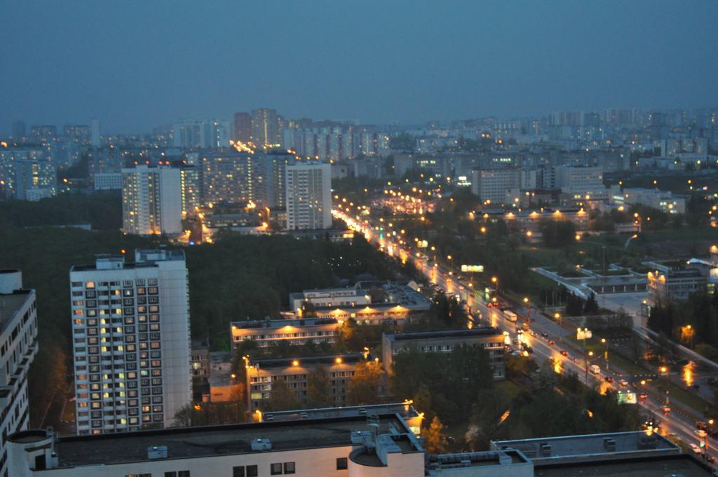 Вид из гостинцы, Москва